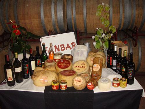 queso artesano natural de Fanbar s.l. los tambores patamulo pañoleta bajoragón brazogitano tonelito zambomba y untico y vino garnacha